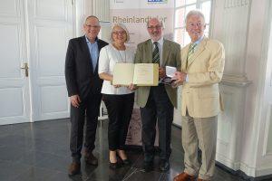 2017-05-17 Klaus-Dieter Klauser erhielt Rheinlandtaler - Foto: Guido Leufgen